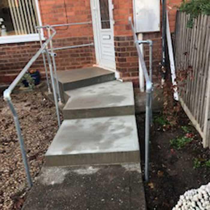 concrete-step-anti-slip-tampered-carlton-design-fabrication